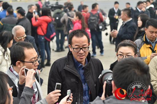 政协委员俞敏洪:全国高考必须实现统考