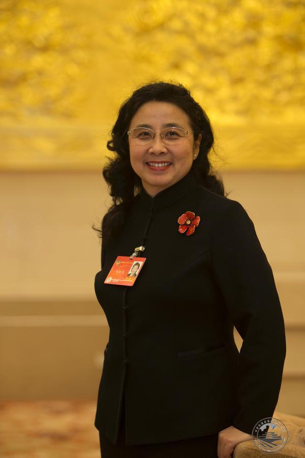 全国政协委员冯丹龙建议将戒烟治疗纳入医保