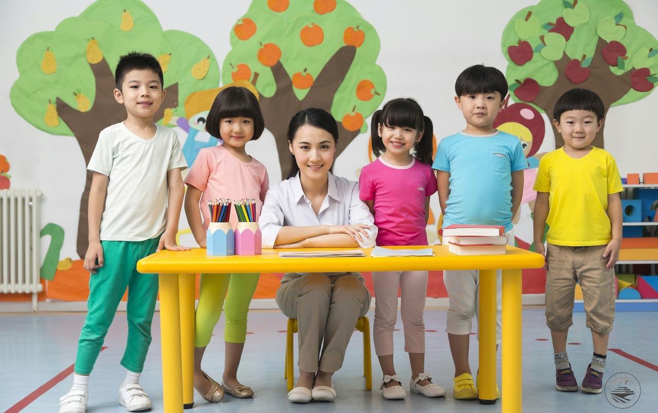 怎么做一名合格教师_成为一名幼儿教师最重要的是什么? - 职教园地 - 【官网】轨道 ...